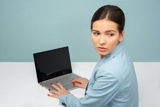 パソコンの寿命は5年?買い替える判断基準と必要なこと